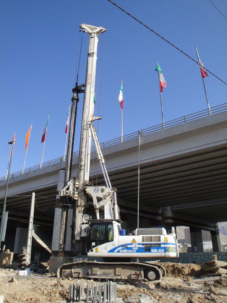 پروژه بزرگراه صدر حفاری پایل ایران