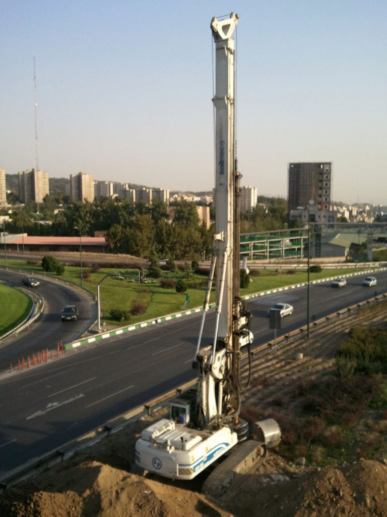 پروژه حفاری پل اتوبان امام علی تقاطع پل بابایی